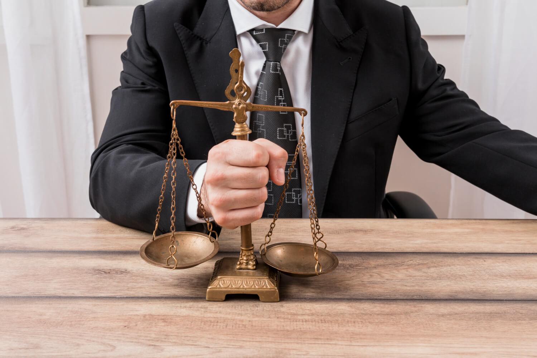 JUECES TOMANDO LA JUSTICIA (1)